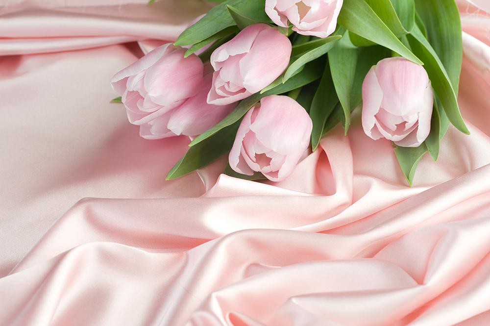 маски с лепестками тюльпанов